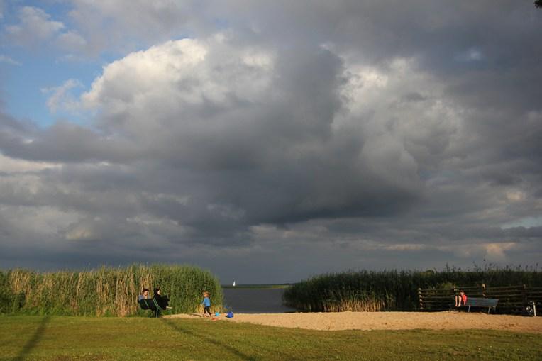Plaża w popielskim porcie - jezioro Śniardwy