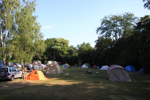 Pole namiotowe na kempingu Wien West - prosto i skromnie