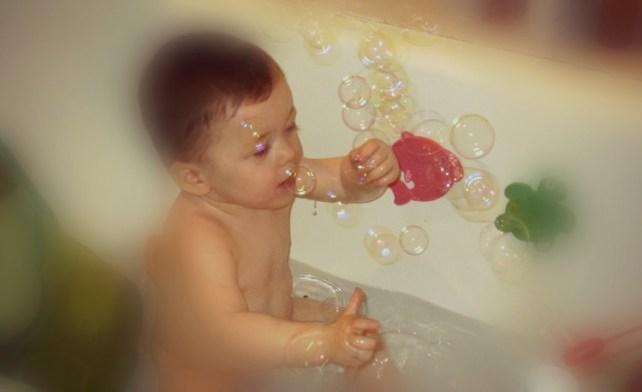 jeux dans le bain les bulles