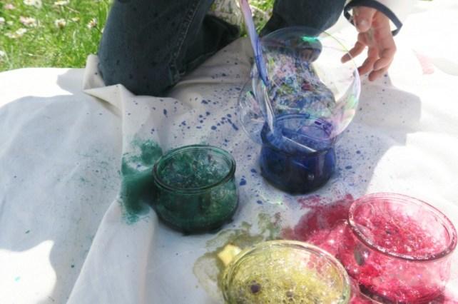mousse de bulles d'encre avec paille