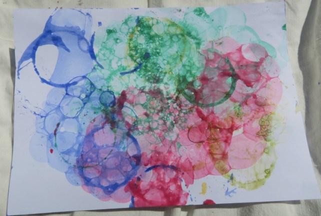 mousse de bulles d'encre sur feuille