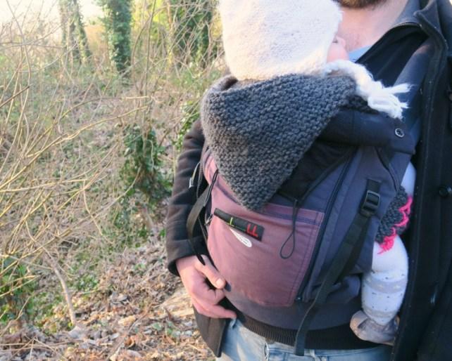 Promenade-avec-physiocarrier-je-porte-mon-bébé