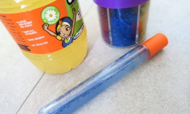 tube sensoriel bleu paillette retour au calme