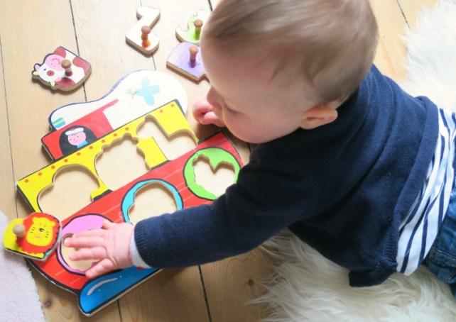 jouer avec bébé de 9 mois