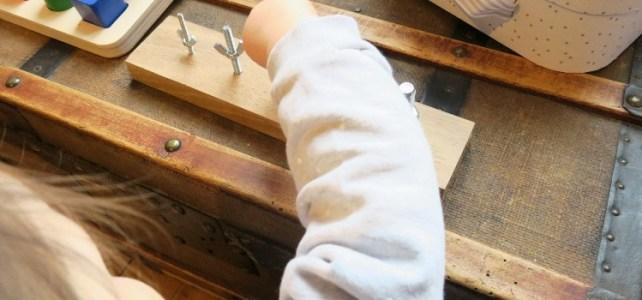 Etapes pour apprendre à visser Activite bebe Montessori