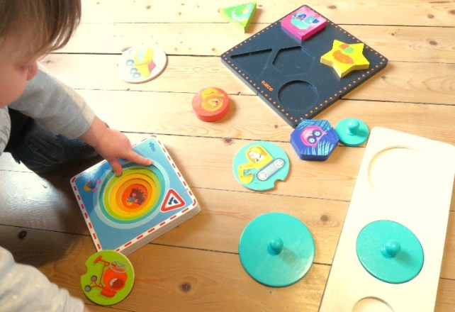premiers puzzles bebe 15-18 mois encastrement et formes simples