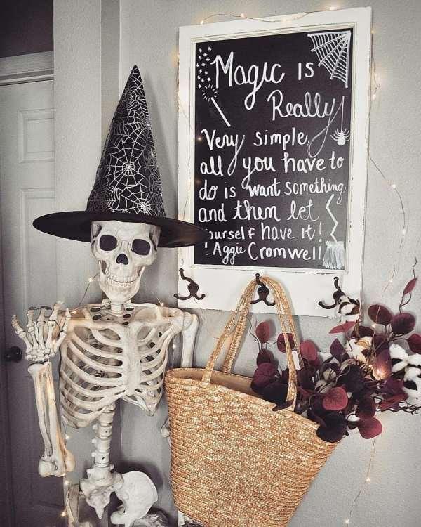 Halloween decorations 1017201902 - 80+ Scary Halloween Decorations Ideas 2019