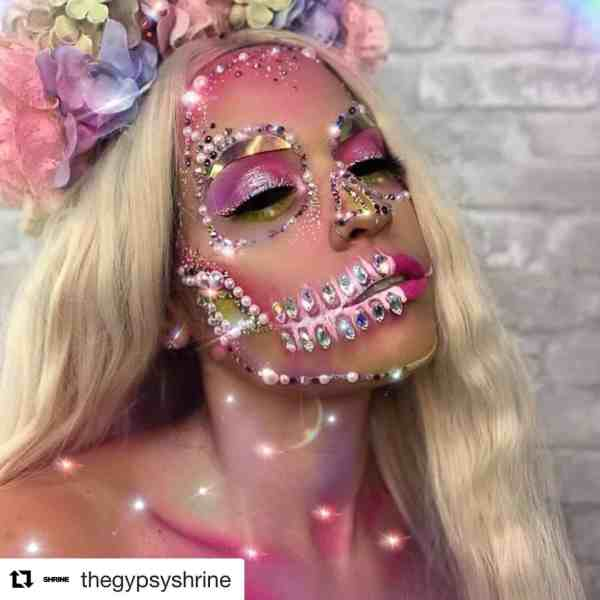 Halloween makeup looks 1018201960 - 90+ the Best Halloween Makeup Looks to Copy This Year