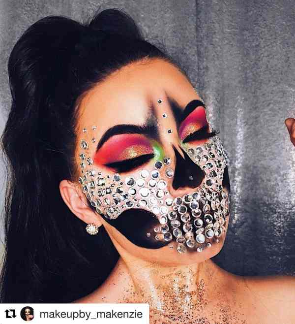 Halloween makeup looks 1018201985 - 90+ the Best Halloween Makeup Looks to Copy This Year