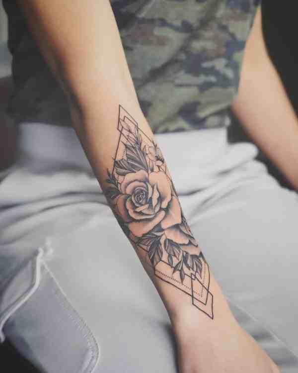 Women Tattoos 2019122928 - 60+ Perfect Women Tattoos to Inspire You