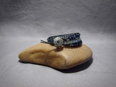 3 wrap bracelet 4mm Kyanite light and dark Blue
