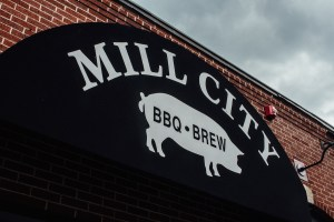 mill-city-bbq-sign