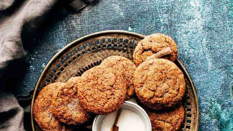 Vegan oatmeal cookies with cranberry and coconut