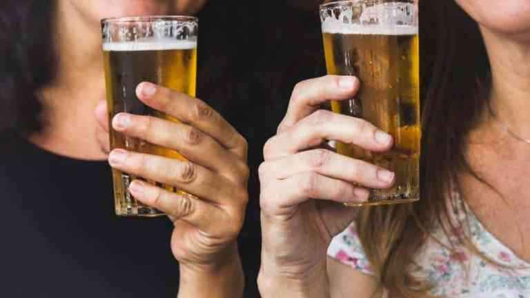Beer hair rinse for shine, volume and hair loss