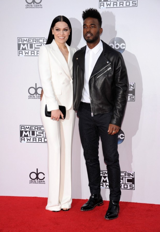 Jessie J and Luke James outfits at American Music Awards 2015