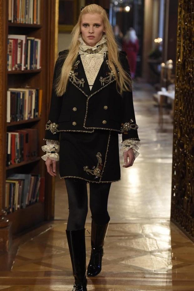 1 Chanel Pre Fall 2016 fashion show in Salzburg