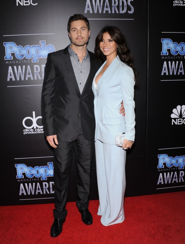 Eric Winter and Roselyn Sanchez PMA2014