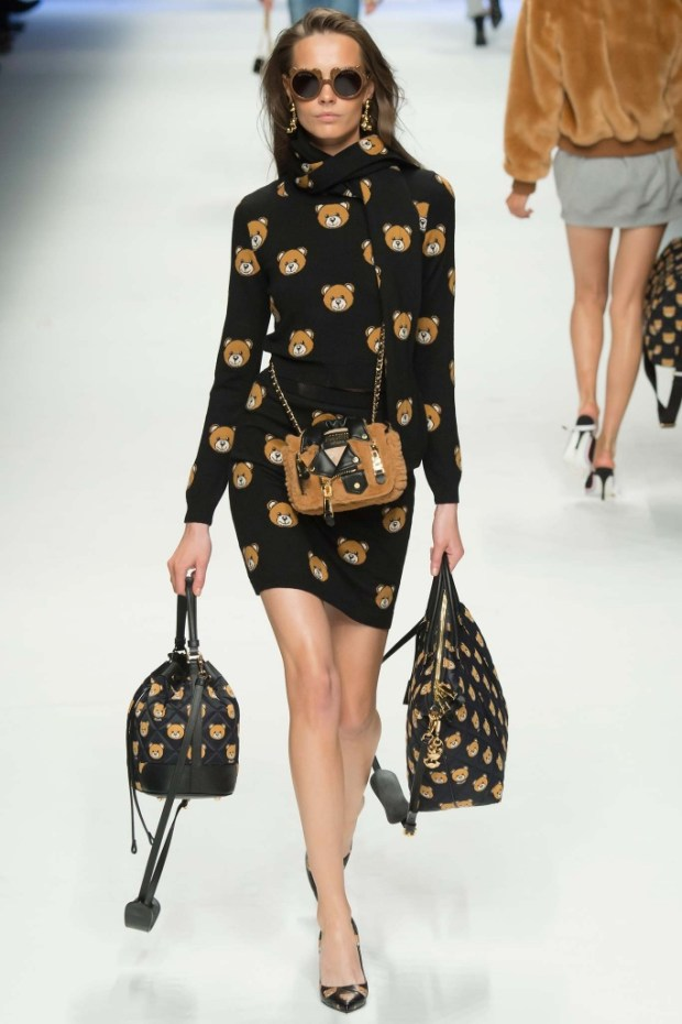17MoschinoFallWinter20152016Collection