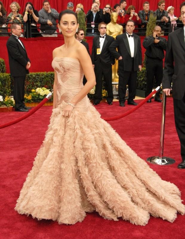 Penelope Cruz in Versace dress, 2007