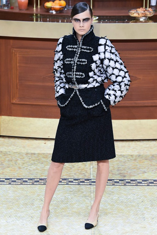 1 Chanel Fall Winter 2016 2017 Collection