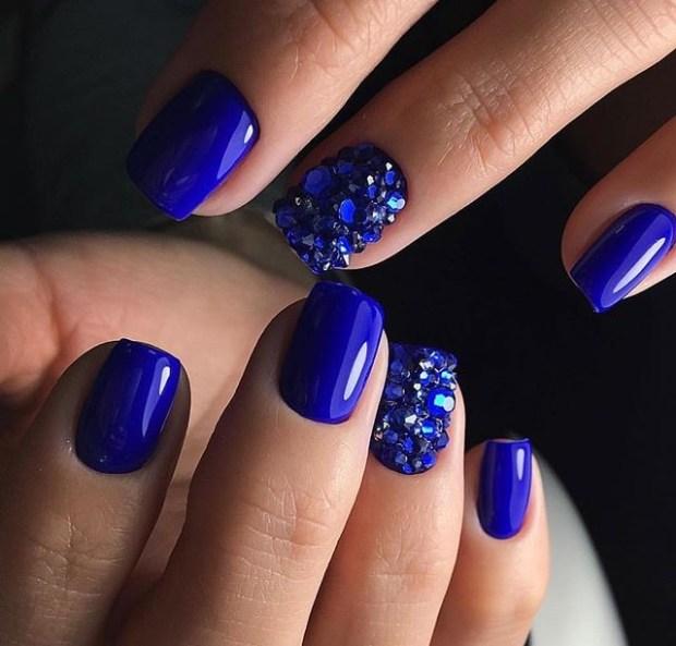 Blue glitter nails 2019