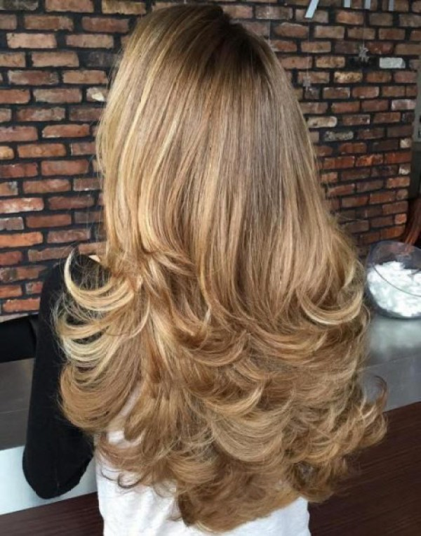 Haircuts for long curly hair