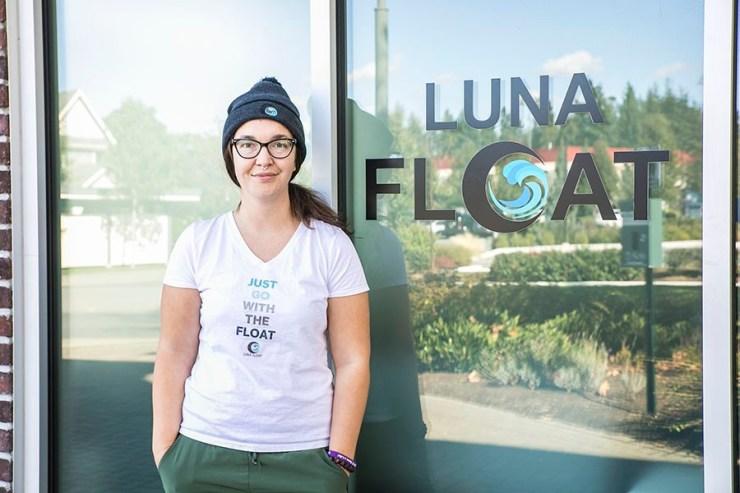 Luna Float