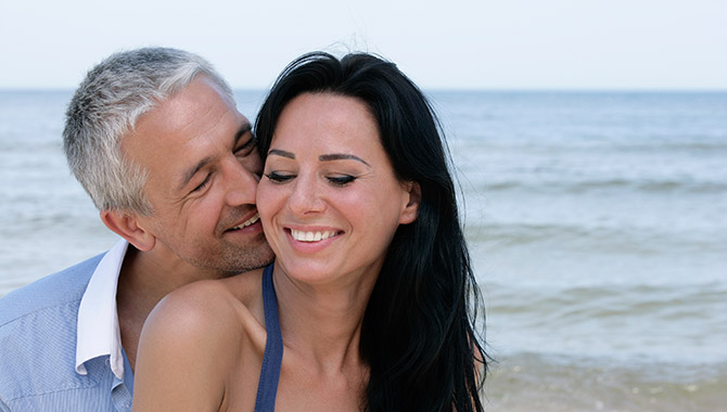 older man younger woman dating