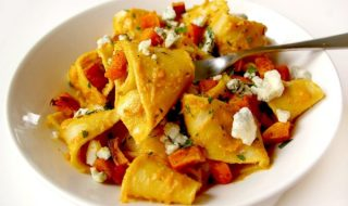 5 steps in making Chicken and butternut pasta