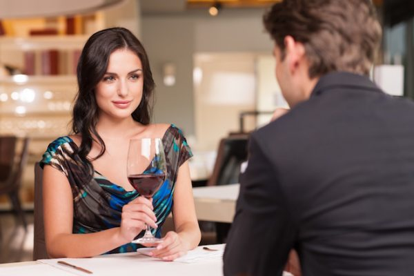 How To Date A Broke Babe Without Having Issues