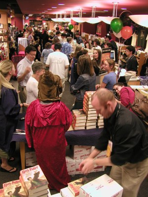 create a bestseller without much promotion