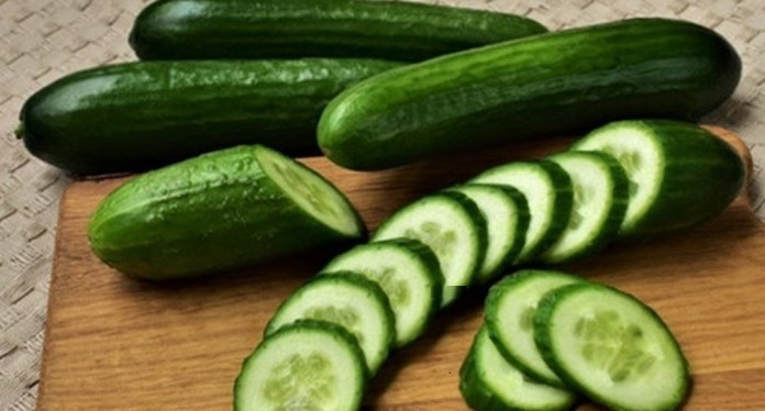 cucumber to treat little bumps on face