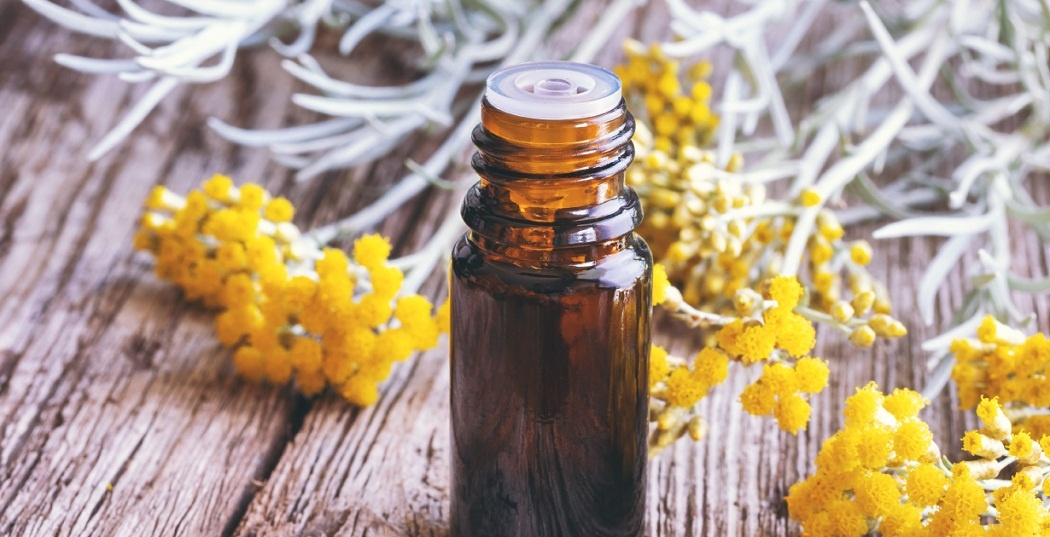 helichrysum essential oil for hives