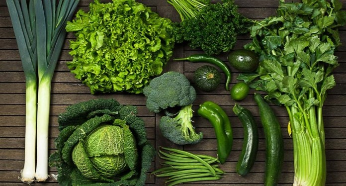 dark green leafy vegetables for dry scalp