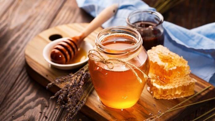 honey for whiteheads