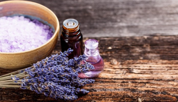 lavender essential oil to treat a blood blister