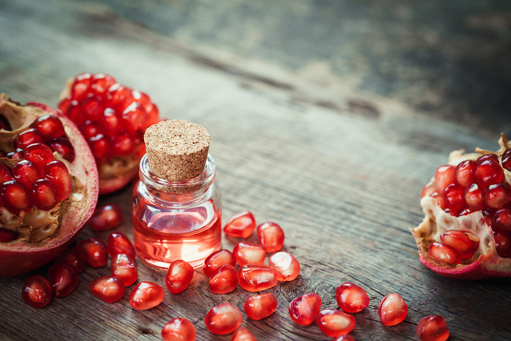 pomegranate oil for stretch marks