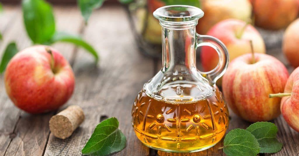 treat warts with apple cider vinegar