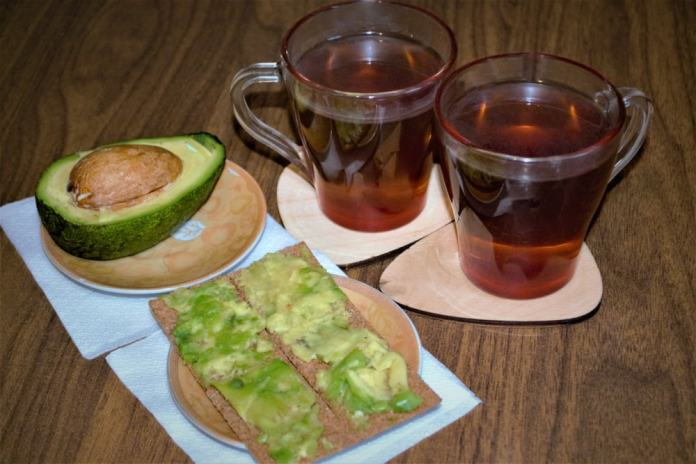 Avocado seed tea