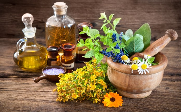 essential oils for eye bags