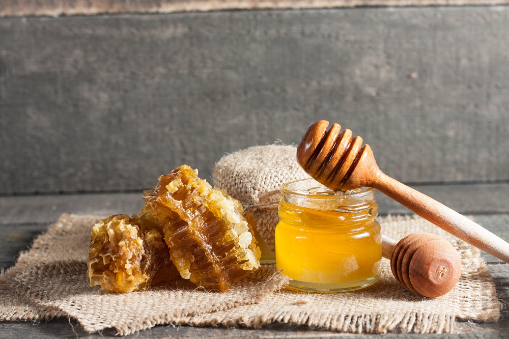 honey for bee sting
