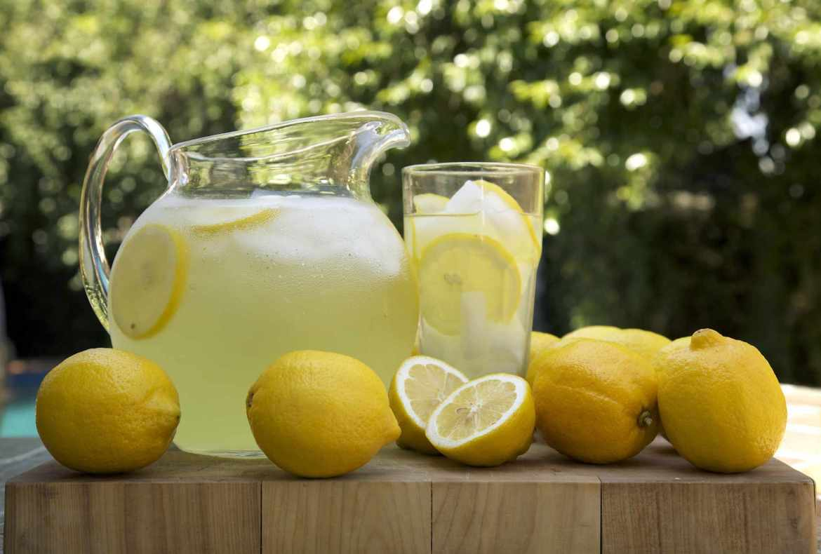lemon juice to tighten skin naturally