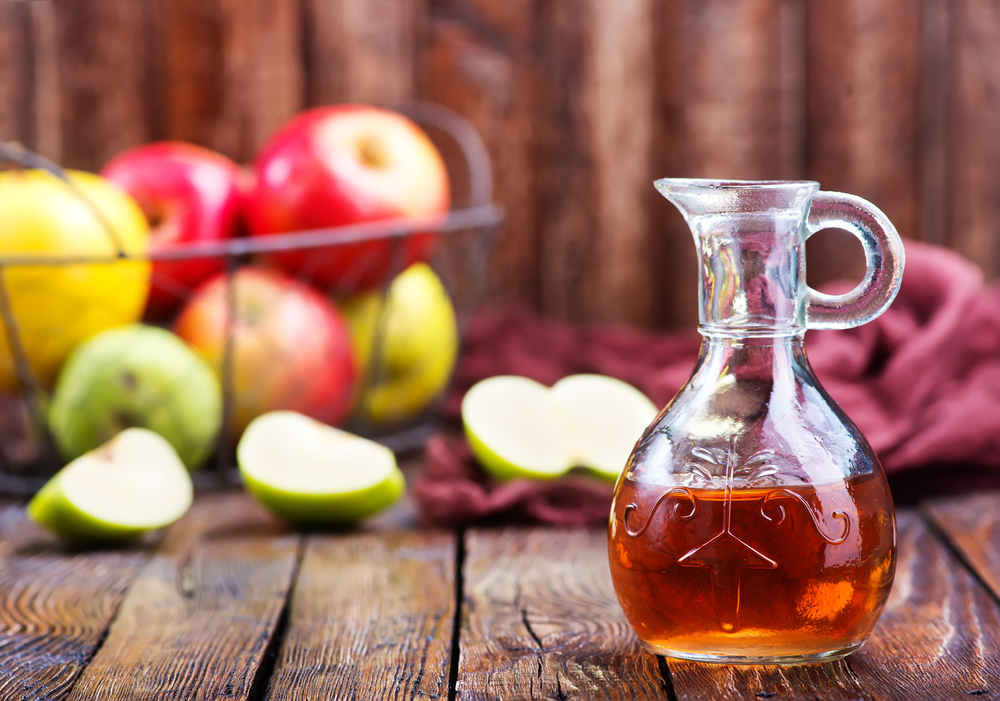 apple cider vinegar for greasy hair