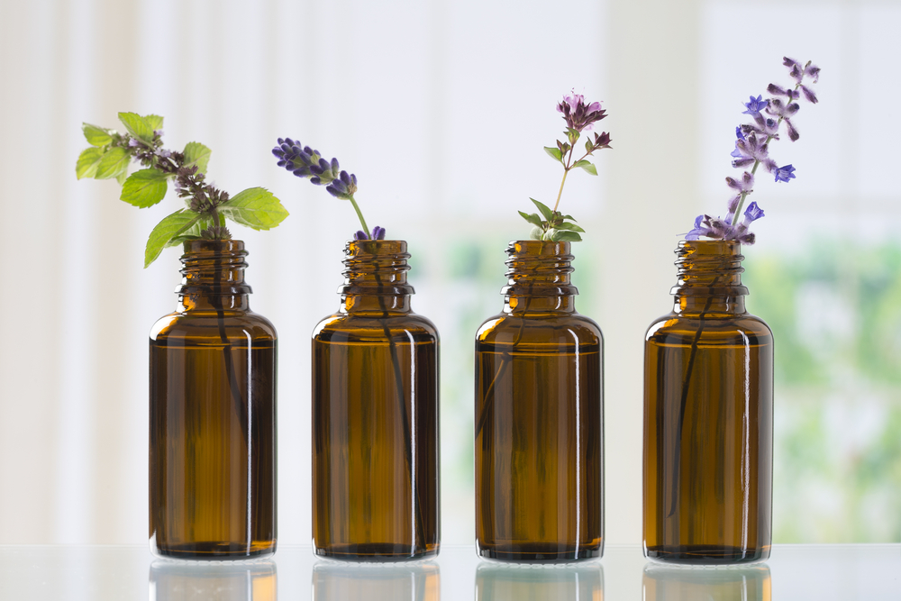 Essential oils for lung cancer
