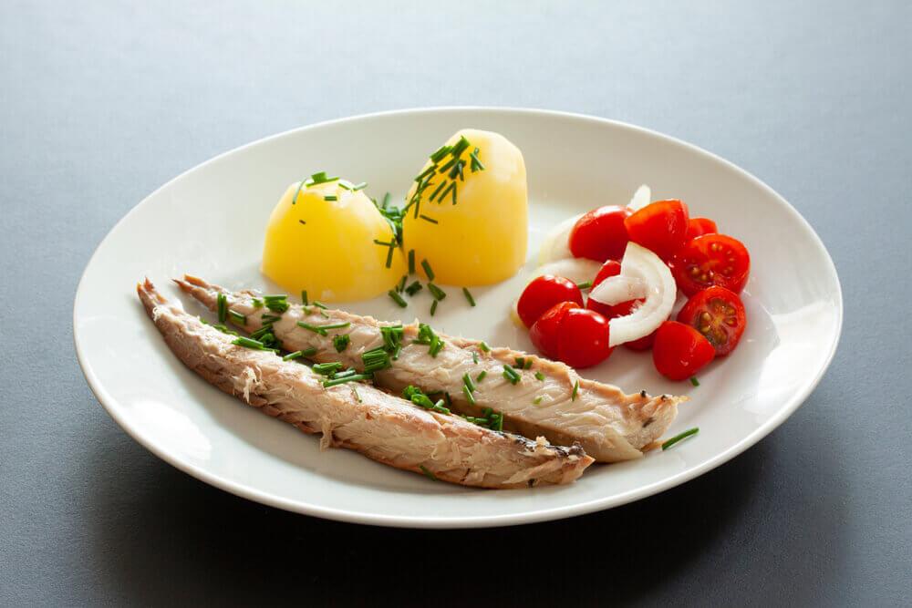 Stuffed Potato and Mackerel