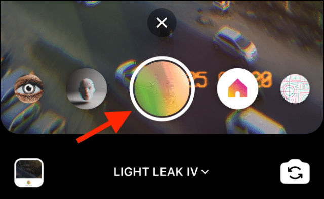 The recorded effects appear to the left of the shutter button.