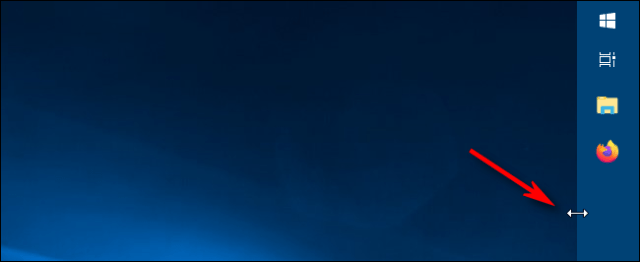 Using the resize slider to change the width of the taskbar in Windows 10