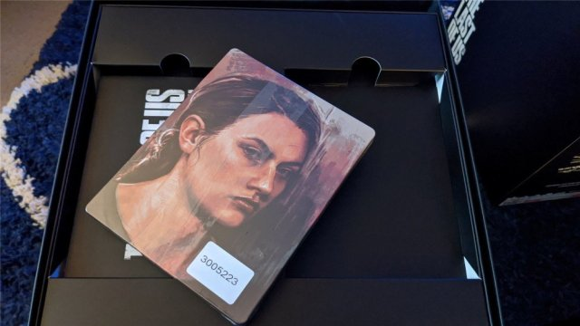 The Last of Us Part II Collector's Edition Abby side