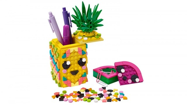 LEGO DOTS Pineapple Pencil Holder 351 piece LEGO set that looks like a cute pineapple