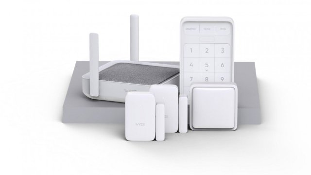 The complete Wyze home monitoring kit, including sensors, keypad and hub.